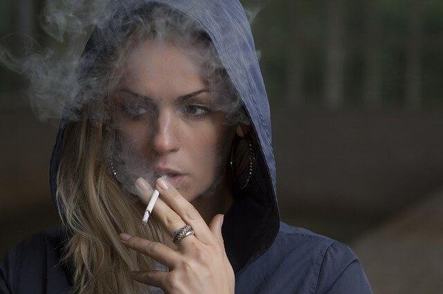 Tupakointi työaikana